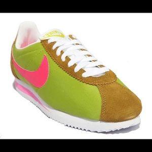EUC Nike Classic Cortez Nylon Womens Shoes💓💚